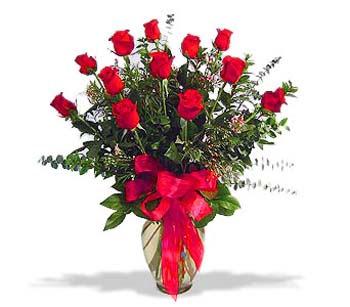 çiçek siparisi 11 adet kirmizi gül cam vazo  Denizli çiçek yolla