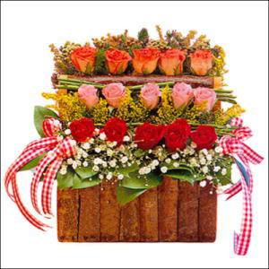 sandikta 3 kat güllerden   Denizli çiçekçi telefonları