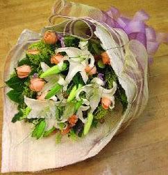 Denizli online çiçekçi , çiçek siparişi  11 ADET GÜL VE 1 ADET KAZABLANKA