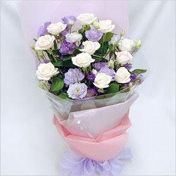 Denizli online çiçekçi , çiçek siparişi  BEYAZ GÜLLER VE KIR ÇIÇEKLERIS BUKETI