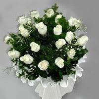 Denizli kaliteli taze ve ucuz çiçekler  11 adet beyaz gül buketi ve bembeyaz amnbalaj