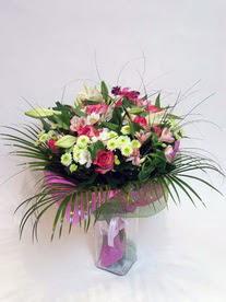 Denizli kaliteli taze ve ucuz çiçekler  karisik mevsim buketi mevsime göre hazirlanir.