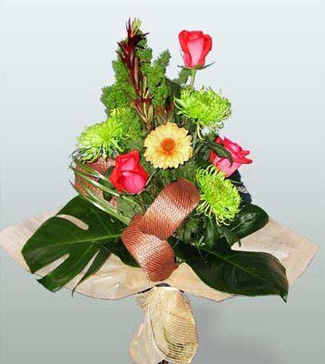 Denizli çiçek mağazası , çiçekçi adresleri  3 adet gül 4 adet gerbera çiçegi sade buket