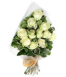 Denizli online çiçek gönderme sipariş  12 li beyaz gül buketi.