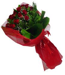 Denizli uluslararası çiçek gönderme  10 adet kirmizi gül demeti