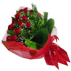 Denizli çiçekçiler  12 adet kirmizi essiz gül buketi - SEVENE ÖZEL