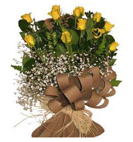 Denizli 14 şubat sevgililer günü çiçek  9 adet sari gül buketi