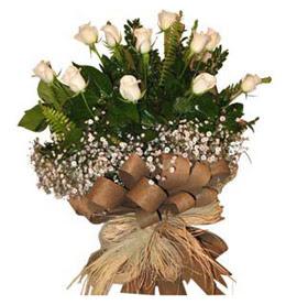 Denizli hediye sevgilime hediye çiçek  9 adet beyaz gül buketi