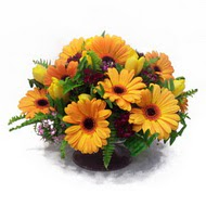 gerbera ve kir çiçek masa aranjmani  Denizli çiçek gönderme sitemiz güvenlidir
