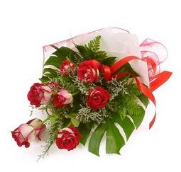 Çiçek gönder 9 adet kirmizi gül buketi  Denizli çiçek gönderme sitemiz güvenlidir