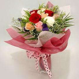 Karisik renklerde 11 adet gül buketi  Denizli anneler günü çiçek yolla