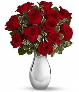 Denizli çiçek gönderme sitemiz güvenlidir   vazo içerisinde 11 adet kırmızı gül tanzimi