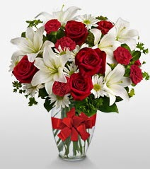 Eşsiz vazo tanzimi güller kazablankalar  Denizli çiçek yolla