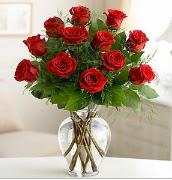 Vazo içerisinde 12 kırmızı gül  Denizli çiçek online çiçek siparişi