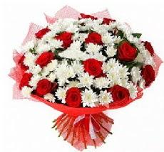 11 adet kırmızı gül ve 1 demet krizantem  Denizli internetten çiçek satışı