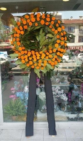 Cenaze çiçeği cenaze çelengi çiçek modeli  Denizli anneler günü çiçek yolla