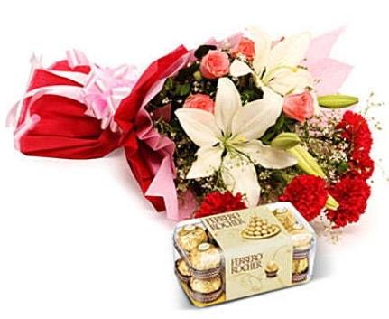 Karışık buket ve kutu çikolata  Denizli çiçek servisi , çiçekçi adresleri